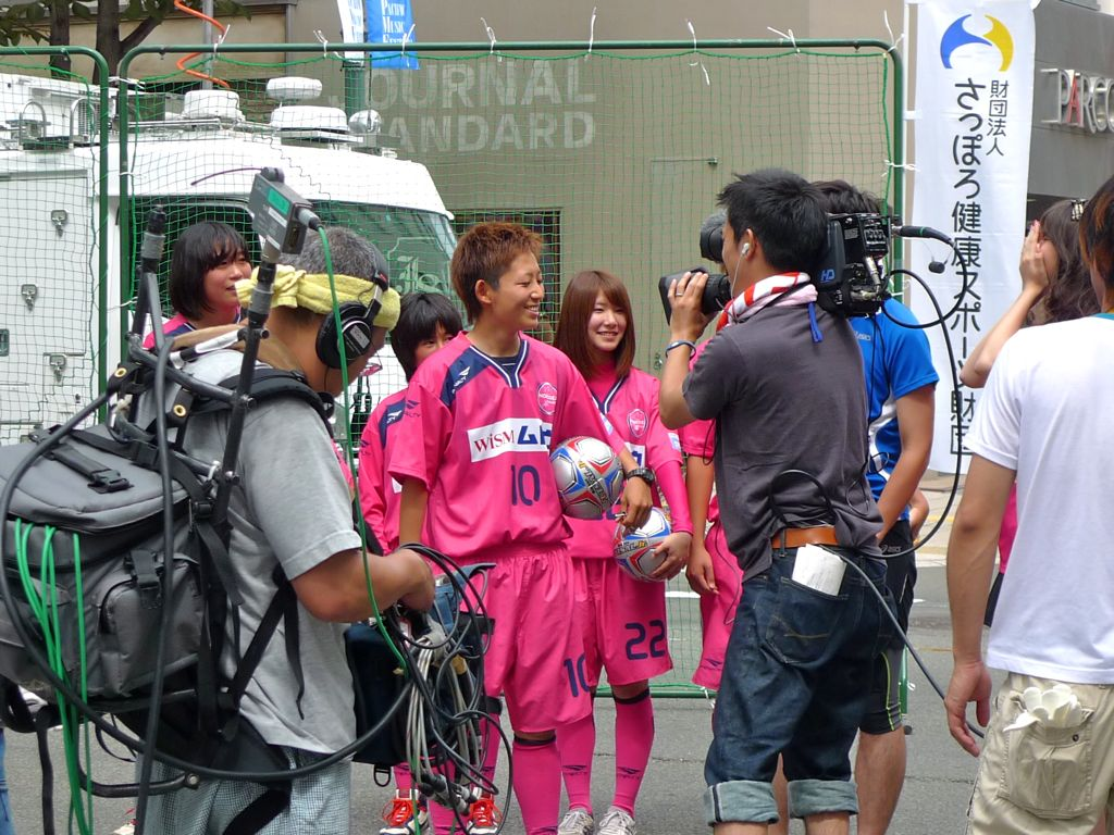 イベント開始前にはNHKの番組「すイエんサー」に生出演!