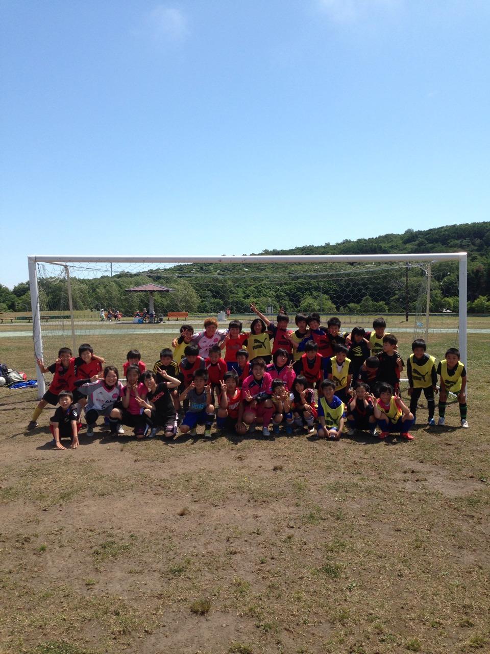 利尻島の子供たちとサッカー教室