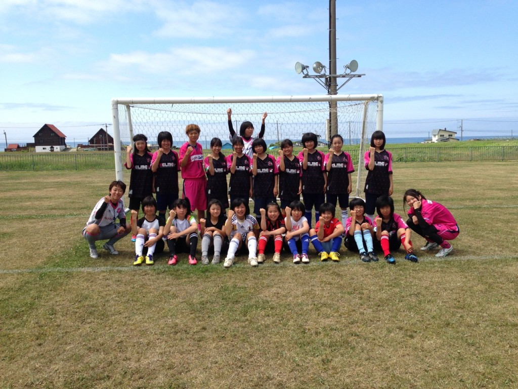 稚内の女の子とサッカー教室