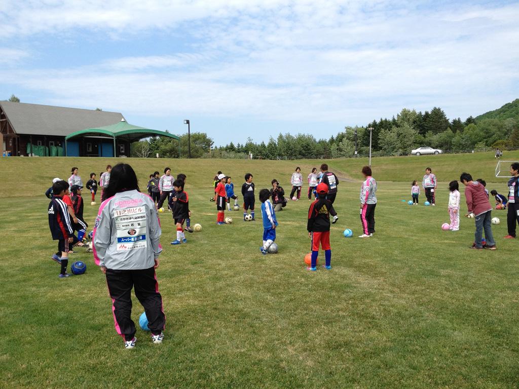 北見の子供たちとサッカースクールを行って参りました。
